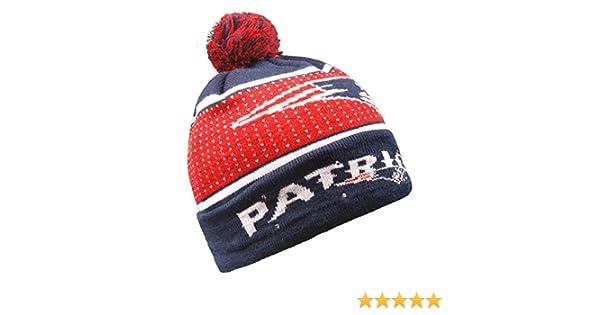 Amazon.com   Forever Collectibles NFL New England Patriots Big Logo Knit  Light Up Beanie Hat 77ec0e343