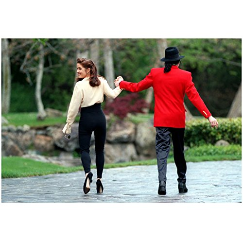 Michael Jackson King of Pop Holding Hands with Lisa Marie Presley 8 x 10 Inch Photo