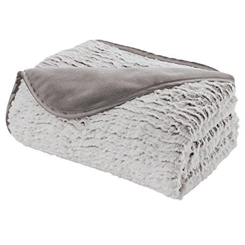 Nap Deluxe Ruffle Throw Blanket