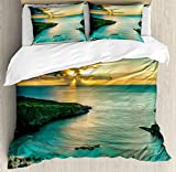 Ambesonne Hawaiian Decorations Duvet Cover Set Queen Size, Sunrise over Hanauma Bay on Oahu, Hawaii Sunbeams Through Dark Clouds Shoreline, Decorative 3 Piece Bedding Set with 2 Pillow Shams