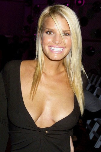 Posters Jessica Simpson - Jessica Simpson 24x36 Poster huge huge cleavage in open dress