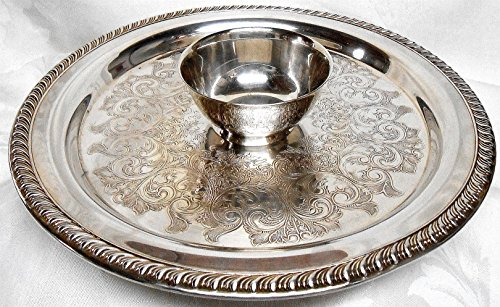 Vintage Silver Plated Oneida Chip and Dip Tray with Attached (1) One Cup Bowl -