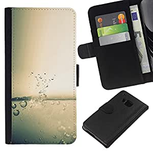 Protector de cuero de la PU de la cubierta del estilo de la carpeta del tirón BY RAYDREAMMM - HTC One M7 - Agua Splash gota