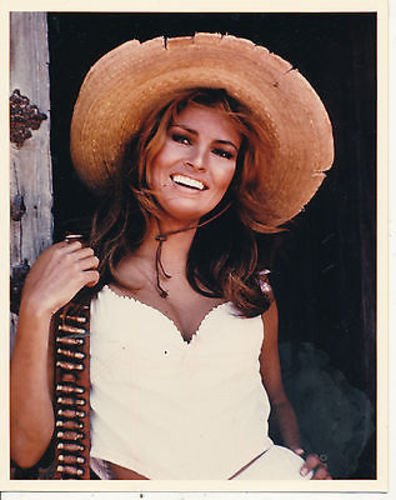RAQUEL WELCH/100 RIFLES/8X10 COPY PHOTO BB9751
