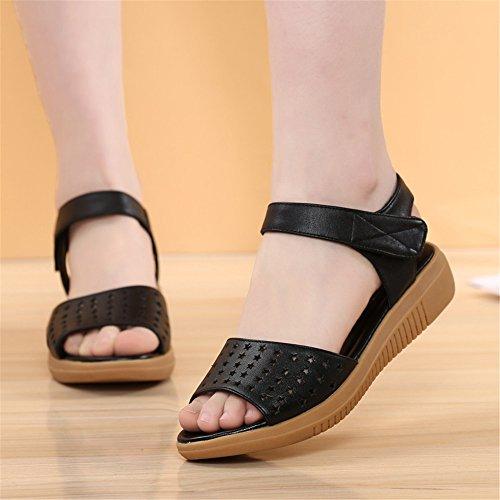 Middle-Aged sandalias planas de verano femenina madre hueco con zapatos de mujer Negro