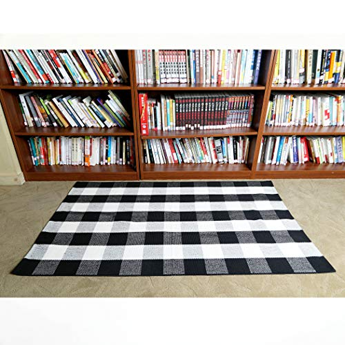 Winwinplus 100% Buffalo Checkered Rug 47.2''x70.8'' Hand-Woven Checkered Mat Washable Rag,Black and White Plaid Rug for Outdoor/Kitchen/Bathroom/Laundry Room/Bedroom