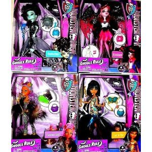 [Monster High Ghouls Rule Set of 4: Frankie, Cleo, Clawdeen, & Draculaura] (Monster High Draculaura Ghouls Rule Costume)