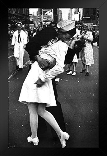 ProFrames Times Square The Kiss on VJ Day Photo Art Print Framed Poster 12x18