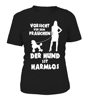 IchLiebeHunde.com Hunde Motiv T-Shirt: Vorsicht vor Dem Frauchen - der Hund  IST Harmlos (Pudel) - Damen Shirt Größe S bis XXXXL - in Versch.