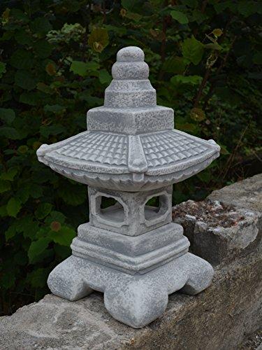 Herrliche Oki Gata japanische Steinlaterne aus Steinguss, frostfest