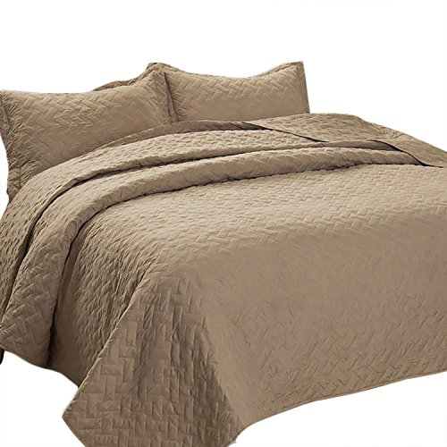 Bedsure 3-Piece Bedding Quilt Set King Size 106x96 Taupe Camel Bedspread with 2 Pillow Shams Pattern Soft Microfiber Coverlet Set