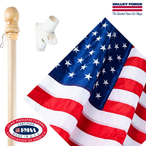 Valley Forge Flag DFS1USA-1 U.S Kit with 2.5ft x 4ft Nylon Flag & 5ft Wood Pole, 0, 0 ()