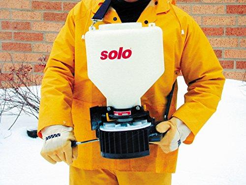 Solo, Inc. Solo 421 20-Pound Capacity Portable Chest-Mount Spreader