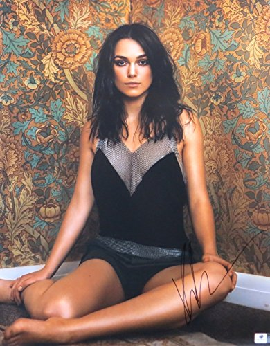Keira Knightley Signed Huge 16X20 Photo Sexy Sitting in Corner GV788723 ()