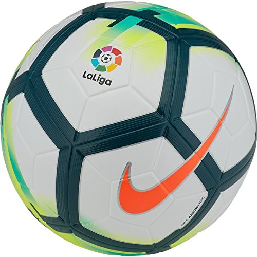 1574ed0fd15 Best Soccer Balls (2019) Reviewed by the Pros in the Game