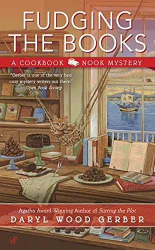 Fudging the Books (A Cookbook Nook Mystery 4)