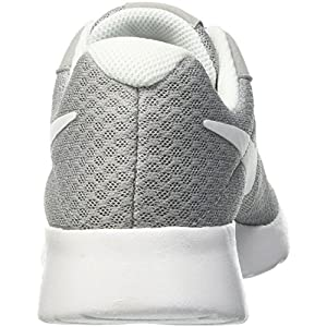 Nike Tanjun, Scarpe Running Donna, Grigio (Wolfgrau/Weiß), 40.5 EU