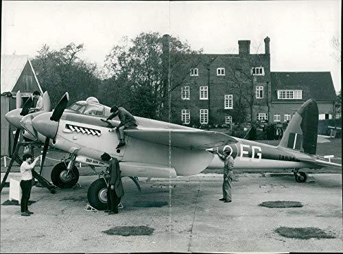 Engine Mosquito Twin (Vintage photo of de Havilland Mosquito Combat aircraft:)