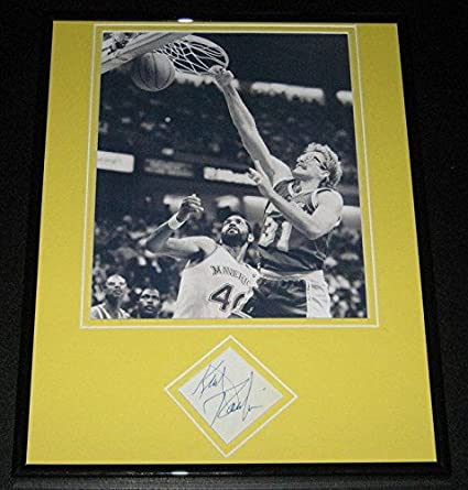 76b28d32f2e Autographed Kurt Rambis Photograph - Framed 11x14 Display - Autographed NBA  Photos at Amazon s Sports Collectibles Store
