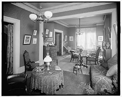 Photo: Interior,121 Henry Street,sitting Room,dwellings,homes,Detroit