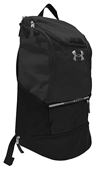 c030be5483f Amazon.com  Under Armour UA Striker Soccer Backpack (Black)  Sports ...