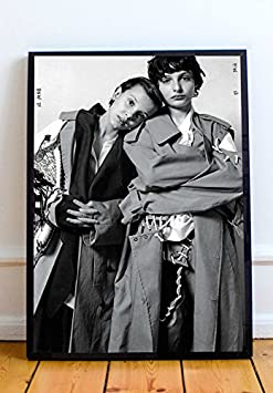 Stranger Things Duo Limited Poster Artwork – Professional Wall Art Merchandise More 20×24