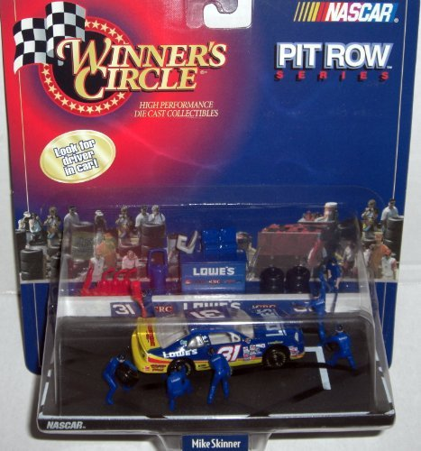 Winner's Circle - NASCAR - Pit Row Series - Mike Skinner/Lowe's #31 Pit Row/Pit Stop Diorama w/interconnecting base and accessories