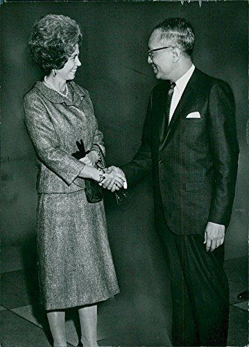 - Vintage photo of Queen Frederika of Greece (Frederika of Hannover) talks with UN Secretary General U Thant