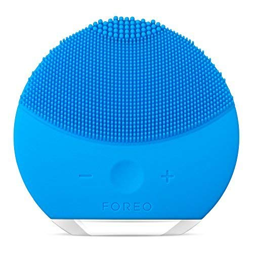 FOREO LUNA mini 2 Facial Cleansing Brush, Gentle Exfoliation and Sonic Cleansing for All Skin Types, Aquamarine ()