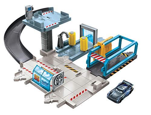 51K%2Bk7QWp3L Centro de reparación de Cars de Disney Pixar para recrear las escenas de la película y contar historias Entre las diferentes zonas de juego se incluyen un surtidor de gasolina, un túnel de lavado y otro de viento, y un puente El puente se transforma en un ascensor que funciona de verdad