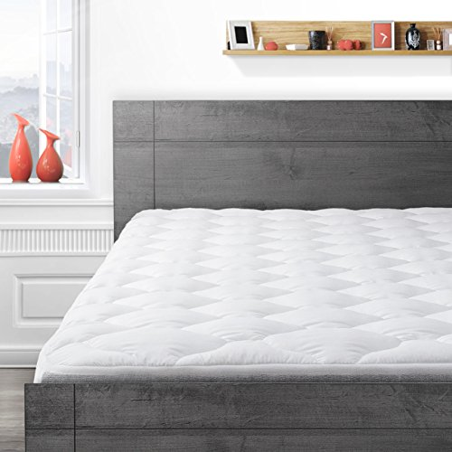 (Cardinal & Crest Hotel Mattress Pad w/ Fitted Skirt - Hypoallergenic Mattress Protector - Overfilled Mattress Topper Made in The USA - Found in Marriott, Hilton, Omni, Hyatt Hotels - California King )