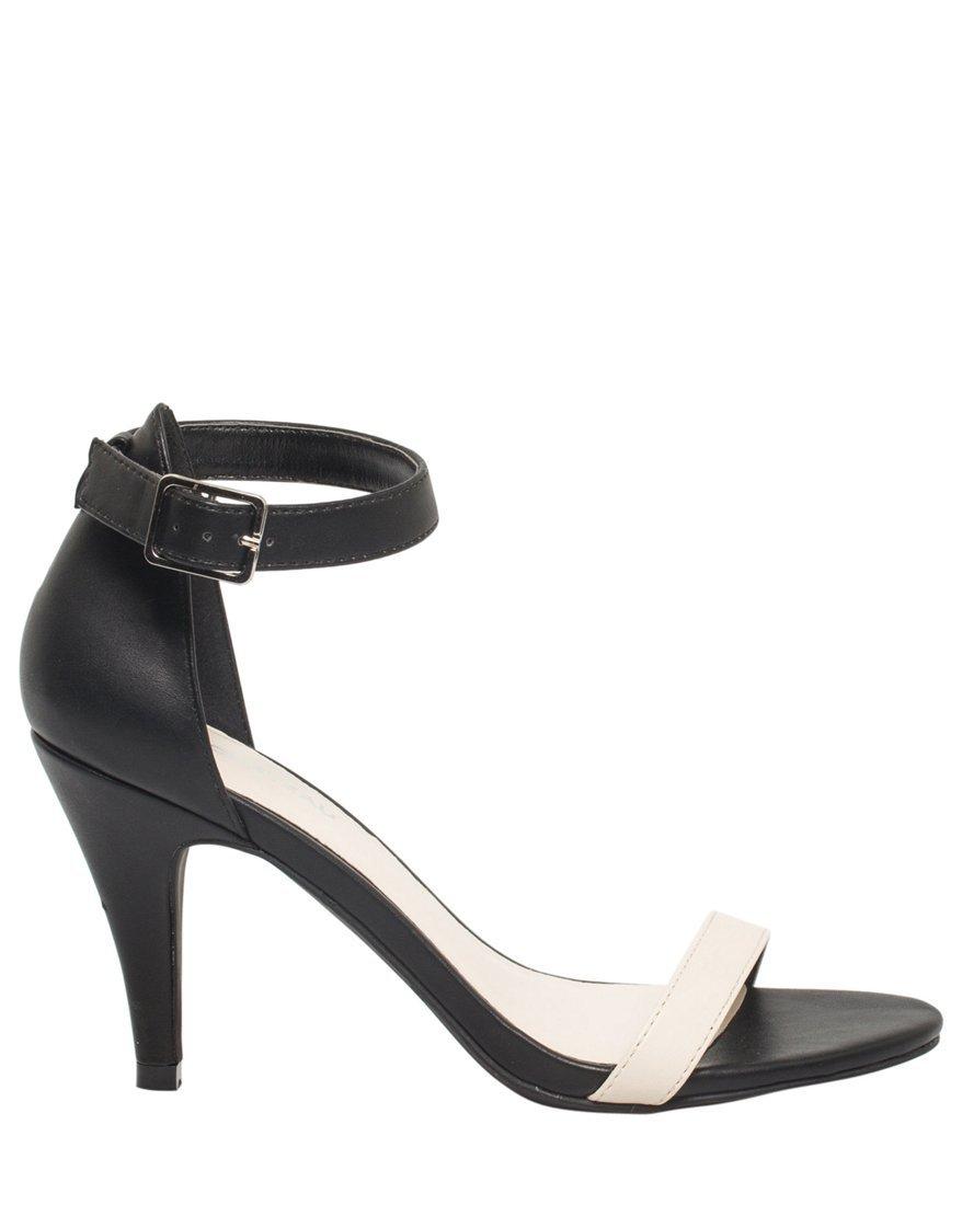 LE CHÂTEAU Women's Faux Leather Ankle Strap Sandal,7,Cream
