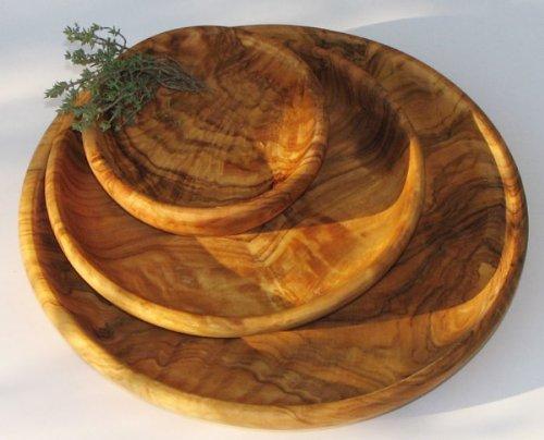 Runde Schale LAMAMMA - aus Olivenholz, Durchmesser ca. 15 cm. Mit sehr schöner Maserung, mit kaltgepresstem Leinöl eingelassen. Jede Schale ist ein Unikat.