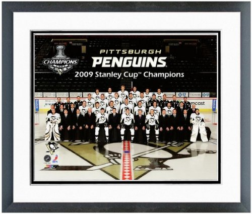 """Pittsburgh Penguins 2009 Stanley Cup Team Photo (Size: 12.5"""" x 15.5"""") Framed"""