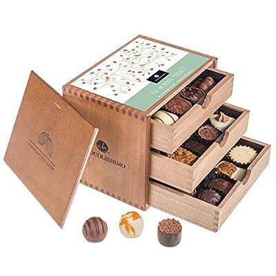 ChocoGrande – Muttertag – 30 Luxus Pralinen | in einem Holzkästchen | Für die liebste Mutter | Geschenkidee | Geburtstagsgeschenk | Schokolade| Mutter | Geschenk für Mama | Mutti