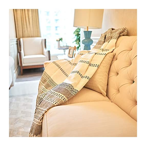 MOTINI 100% Cotton Decorative Blankets Cozy Grey and White Throw Blankets Hand-Knitted with Tassel for Sofa, Couch, 60 x 50 inch - A subtle diamond motif gives this option a pop of pattern while it's fringe trim gives a timeless design that blends effortlessly into any ensemble Fits the rustic, vintage, or distressed look - This cozy throw blanket adds a classic touch and exceptional texture & style to any home to any living, dining, bedroom, home office or foyer with its timeless design and practical size. This beautiful high-quality 100% cotton decorative blanket will last for years to come. It is lightweight making it great for summer and easy transportation between rooms. It measures 60 x 50 inches. - blankets-throws, bedroom-sheets-comforters, bedroom - 51K36MM5z6L. SS570  -