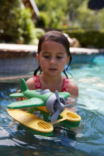 Green Toys Seaplane in Green Color - BPA Free, Phthalate Free Floatplane for Improving Pincers Grip. Toys and Games ,9 x 9.5 x 6 inches