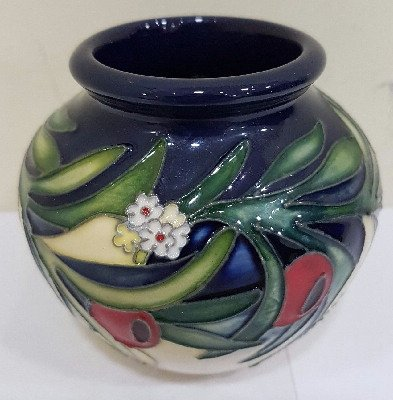 Moorcroft Pottery - Ankerwycke Yew - 55/3 - Limited Edition