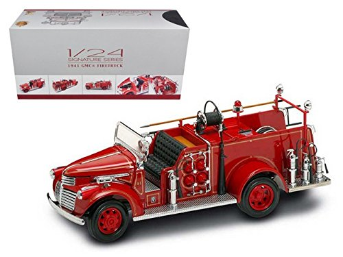 Road Signature 20068 1941 GMC Fire Engine Red with Accessories 1-24 Diecast Model Car