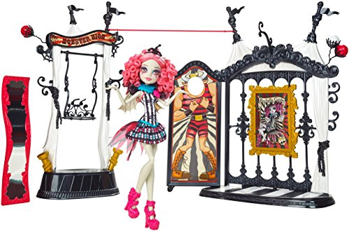 Monster High Freak du Chic Circus Scaregrounds and Rochelle Goyle Doll Playset (Dolls High Du Freak Chic Monster)
