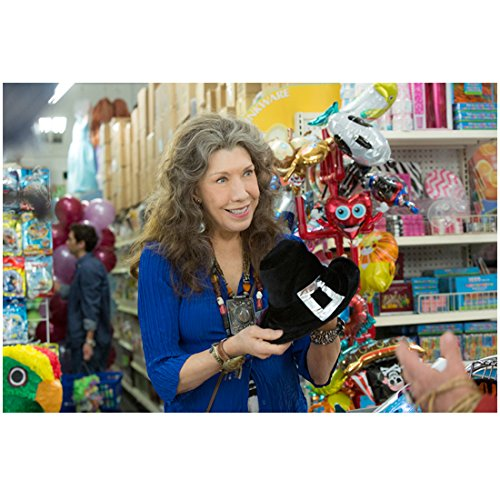 grace-and-frankie-lily-tomlin-as-frankie-smiling-in-store-8-x-10-inch-photo