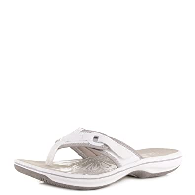 56a746f9001abf Womens Clarks Brinkley Mila White Flat Toe Post Comfort Sandals SIZE 3   Amazon.co.uk  Shoes   Bags