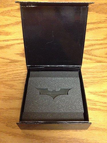 batman-the-dark-knight-rises-movie-executive-promo-batarang-bat-paperweight-figure