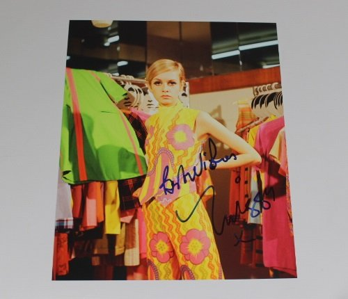 Twiggy Lawson Sexy Swinging Sixties Model Signed Autographed 8x10 Glossy Photo - Pic Model Men