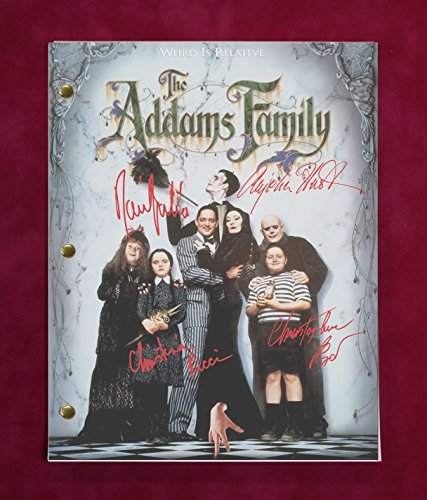 "ADDAMS FAMILY VALUES MOVIE SCRIPT WITH REPRODUCTION SIGNATURES RICCI HUSTON JULIA LLOYD ""C3"""