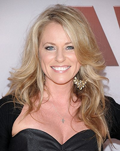 Deana Carter / Strawberry Wine / Country Music 8 x 10 GLOSSY Photo (Deana Carter Strawberry Wine)