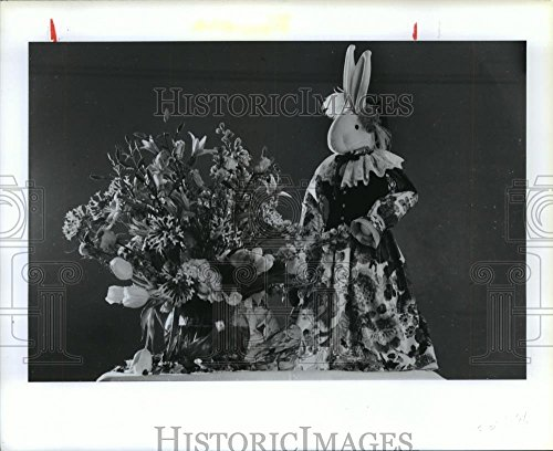 Vintage Photos 1990 Press Photo Bouquet of Lilies, Bouvardia, Tulips and Larkspur - hca26321
