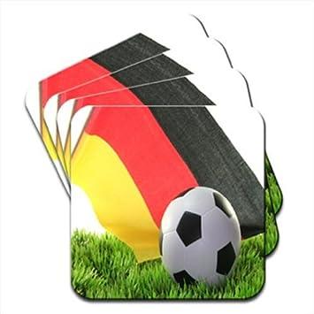 Bandera alemana con balón de fútbol juego de 4 posavasos de madera ...