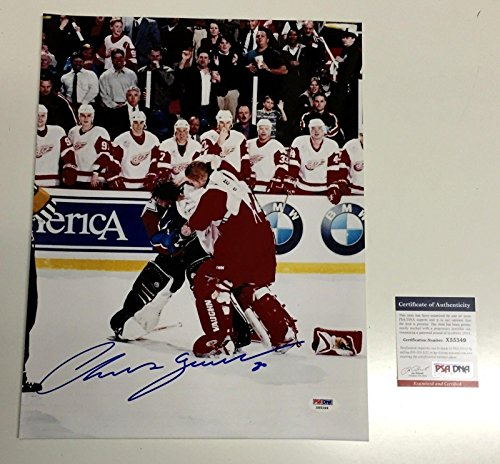 CHRIS OSGOOD SIGNED DETROIT RED WINGS FIGHT VS PATRICK ROY 11x14 PHOTO - PSA/DNA Certified