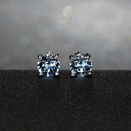 Coffret de sept paires de boucles d oreilles serties de cristaux Swarovski Element NEUF